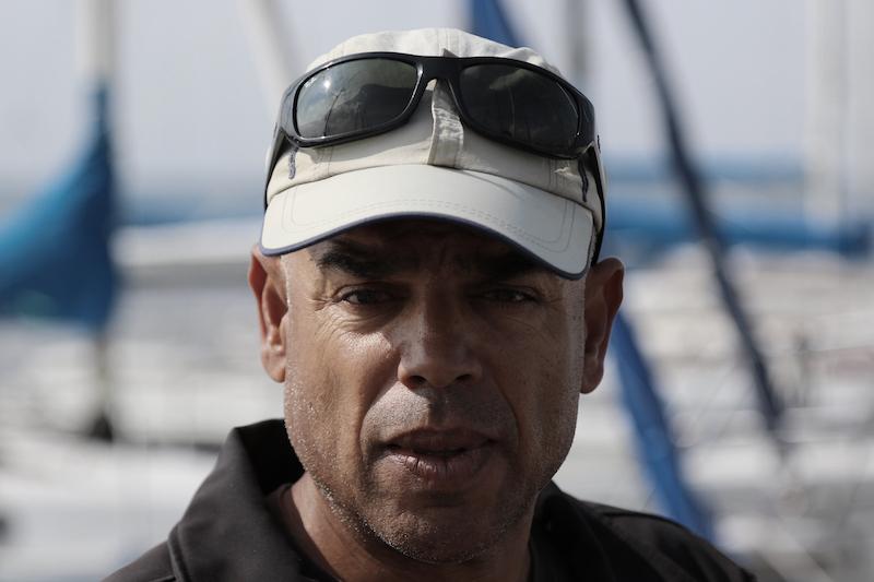 Samir Lemjid am Steg  in der Hafenstraße